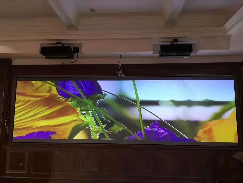 刷新传统,揭秘您不知道的激光电视融合大屏方案